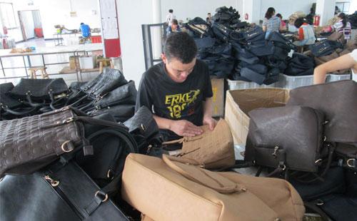 客户争相订货 实力手袋厂再次逆袭上扬